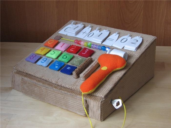 Как сделать игрушечную кассу своими руками