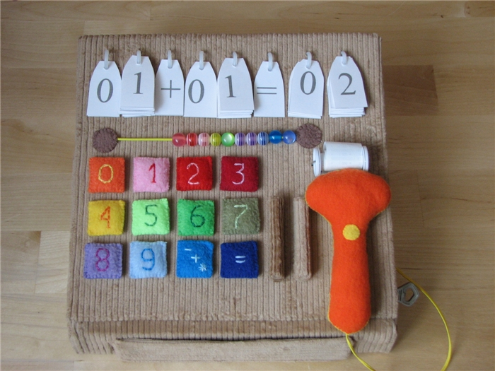 Как сделать игрушечную кассу своими руками из коробки